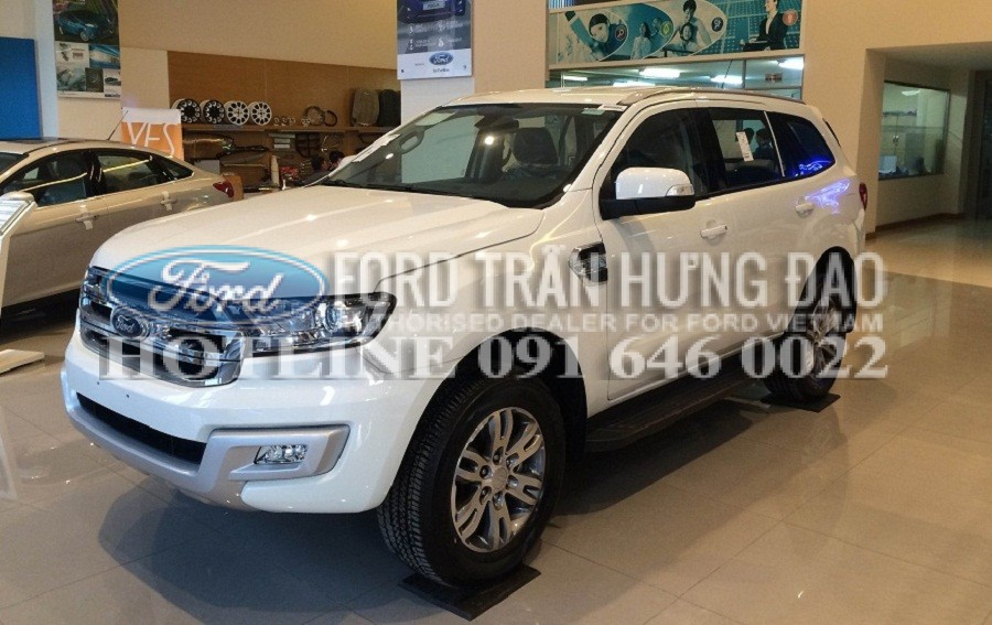 So sánh Ford Everest Titanium 2.2 với Toyota Fortuner 2.7