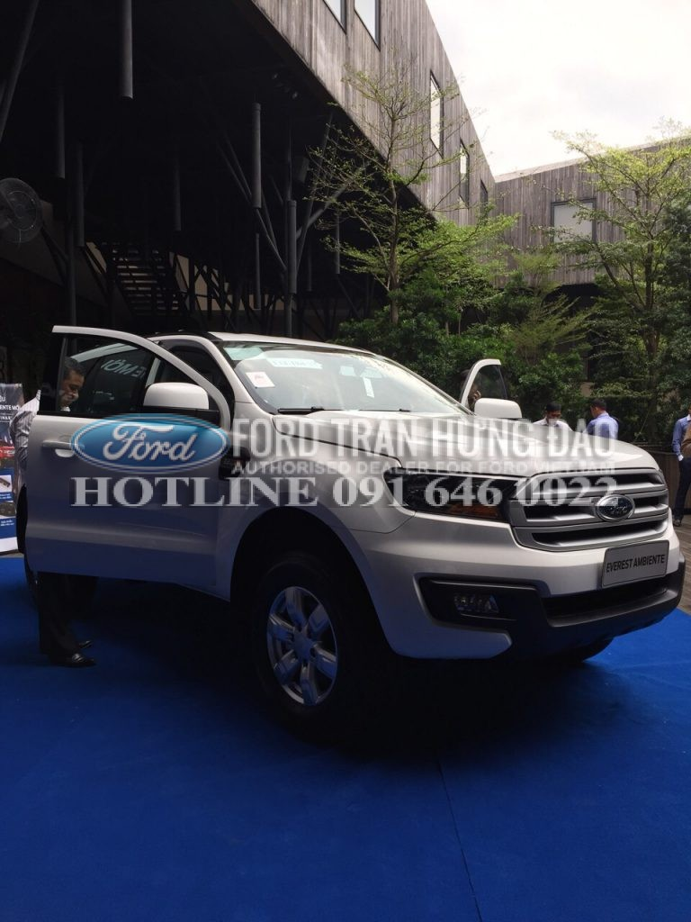 So sánh Everest MT với Fortuner MT